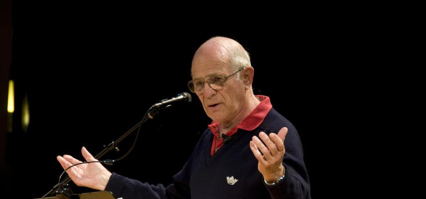 Photo of Revd Canon Michael Green preaching